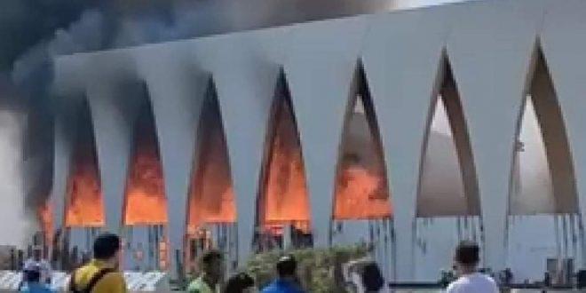 محافظ البحر الأحمر يكشف أسباب حريق قاعة مهرجان الجونة وخرزج جميع المصابين