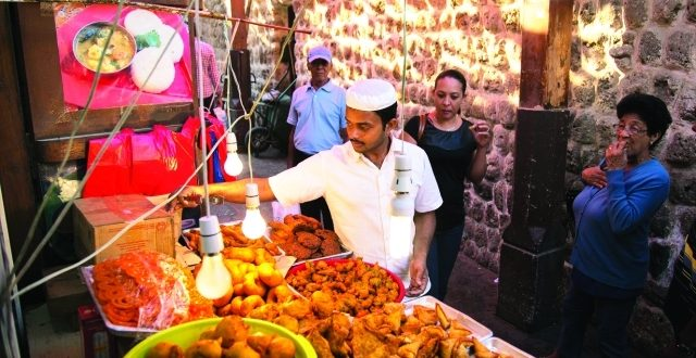 دعوات لتعديل قانون اتحاد غرف السياحة لضم فنادق نجمة واحدة والمطاعم الشعبية